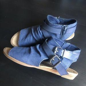 Blowfish Sandals Sude Buckle Blue Sz 6.5